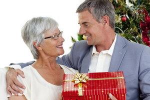 що подарувати жінці на 60 років