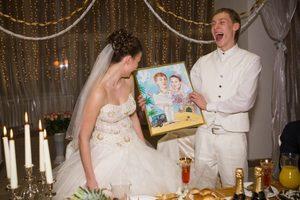 що подарувати на весілля