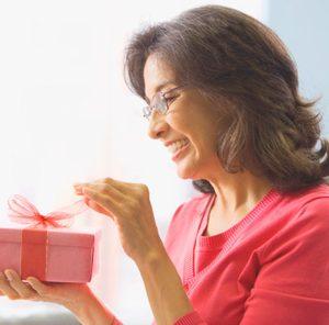 що подарувати жінці на 45 років