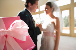 подарунок нареченому від нареченої