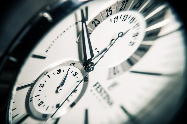 коли переводять годинники на літній час