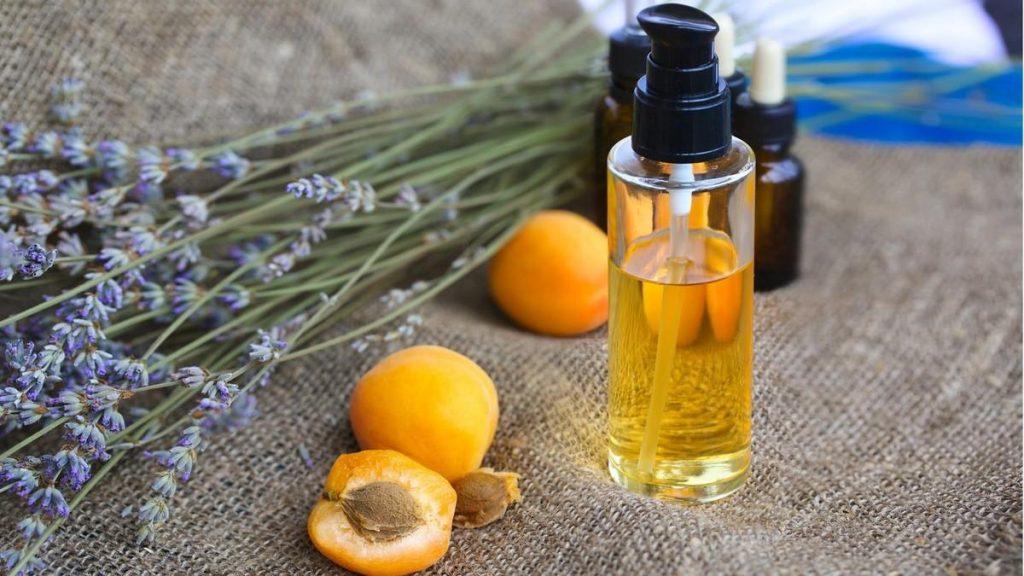 абрикосова олія корисні властивості