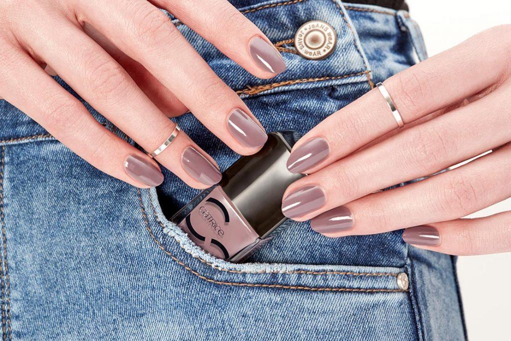 Модні кольори лаку для нігтів 2021